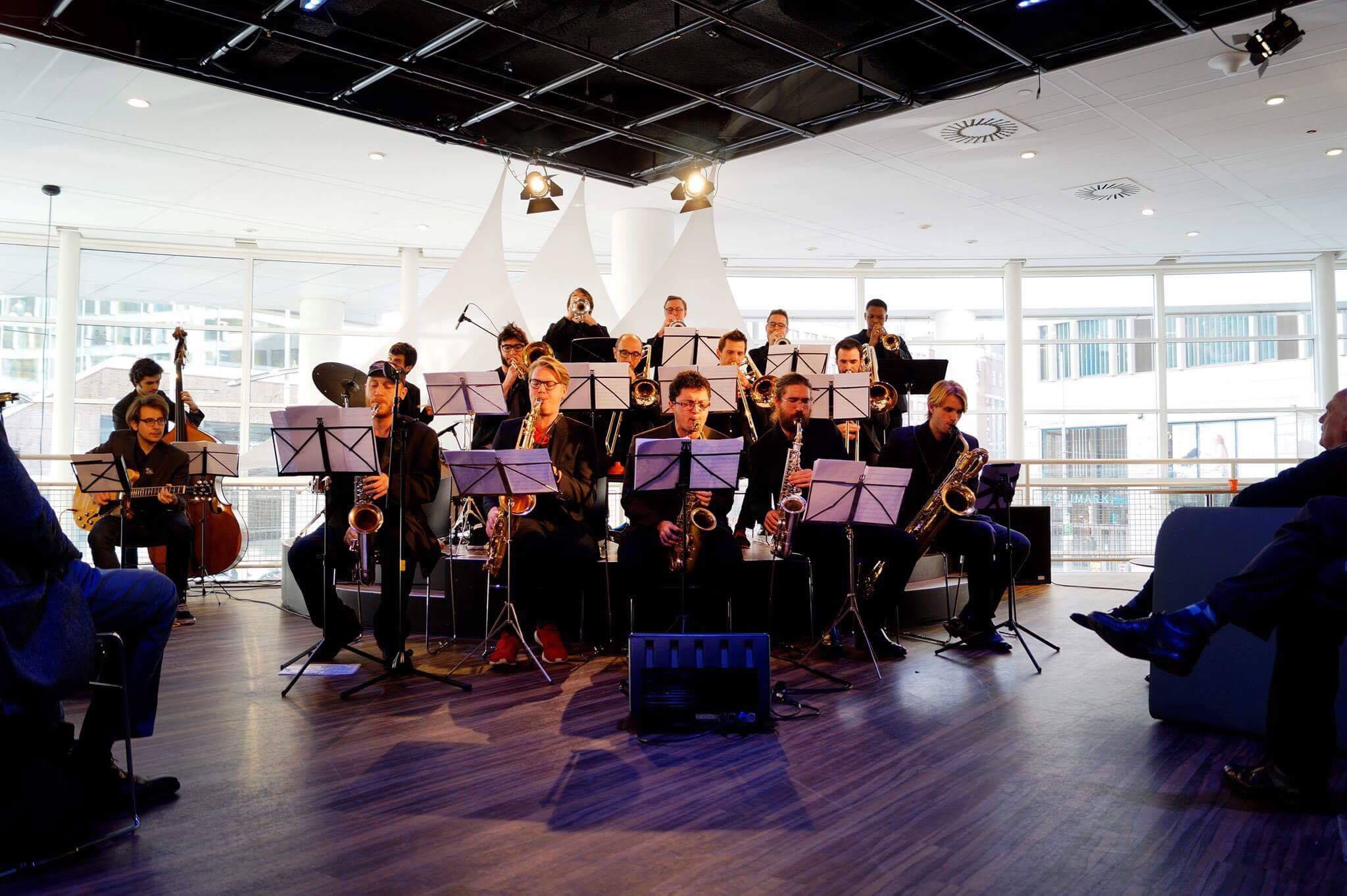 https://regentenkamer.nl/wp-content/uploads/2018/01/MB-Big-Band.jpg